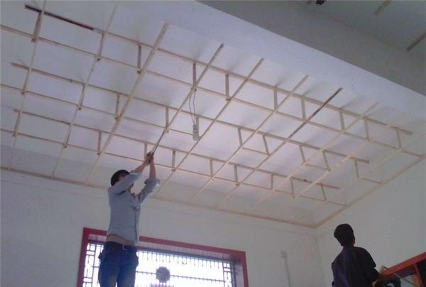 吊顶木龙骨骨架的做法