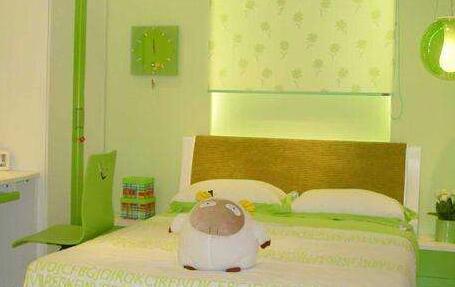 小户型的卧室应该装什么样的床呢?