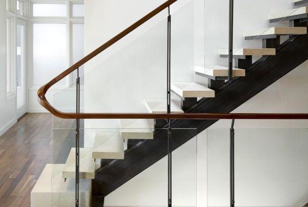 楼梯木扶手装修技巧